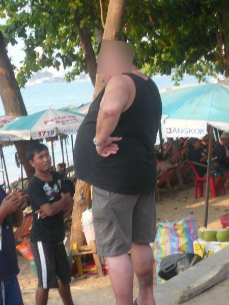 jeune pute thailandaise elle aime se faire traiter de salope